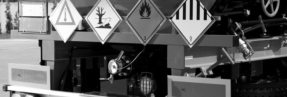 Boşaltım hattı, ADR tabelası ve tehlike levhaları, hava hattı